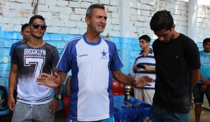 Jogadores profissionais, Railson e Hayllan participaram do evento (Foto: Divulgação/Nacional FC)