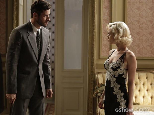 Davi descobre que Aurora está grávida e vai confrontar loira (Foto: Fábio Rocha/TV Globo)