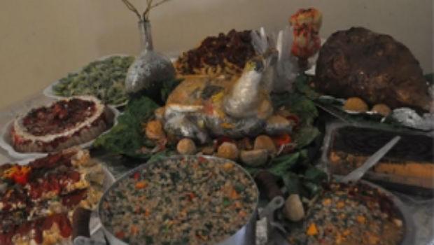 A obra destaca a vulnerabilidade animal frente aos resíduos deixados pelo homem (Foto: Divulgação/ RPC)