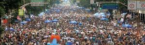 Monobloco arrasta multidão (Alexandre Durão/G1)