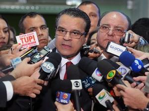 O presidente da Câmara, Henrique Eduardo Alves, informou que população terá acesso a discussões do grupo de reforma política (Foto: JBatista / Agência Câmara)