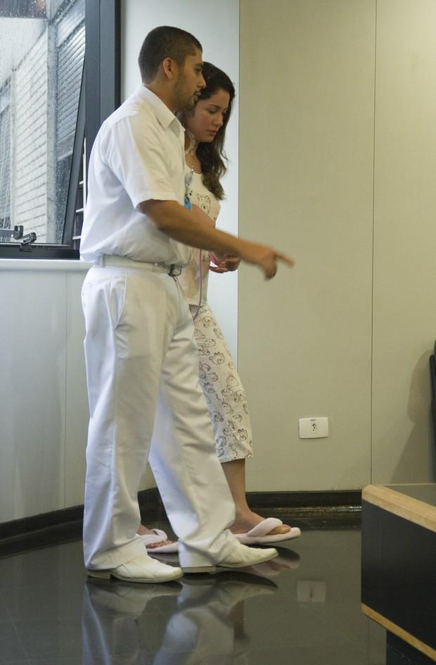 Maria Melilo no hospital (Foto: Amauri Nehn/ Foto Rio News)