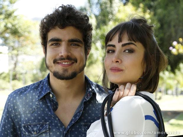 Caio Castro e Maria Casadevall gravando externa como Michel e Patrícia (Foto: Amor à Vida/TV Globo)