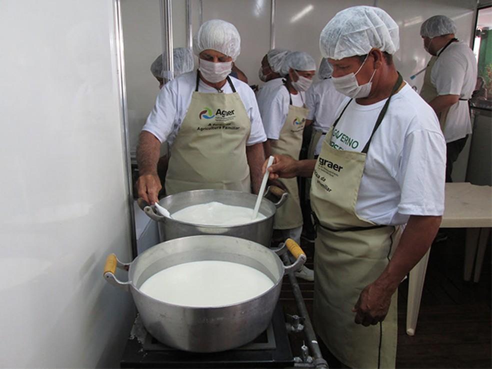 Litro de leite resfriado custa R$ 0,90 em Porto Velho e R$ 0,82 em Jaru, diz cotação da Emater (Foto: Divulgação)