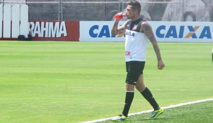 Guerrero treinando no Corinthians  (Foto: Diego Ribeiro)