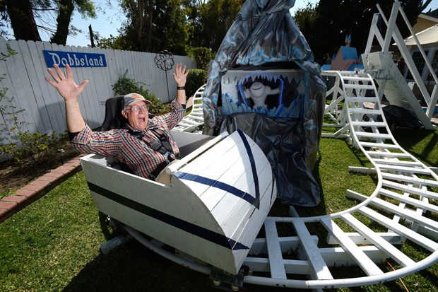 Dobbs desenvolveu a montanha-russa para crianças e adultos (Foto: Jeff Gritchen/OC Register)