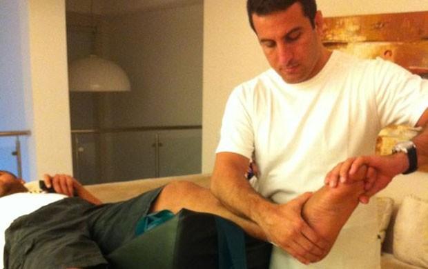 Adriano Fisioterapia (Foto: Renata Bataglia)