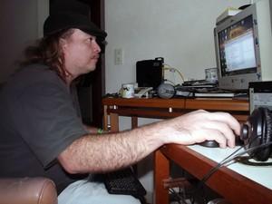 Cesar Sanchez soube da morte de Champignon ainda na madrugada, pela web (Foto: Ivair Vieira Jr/G1)