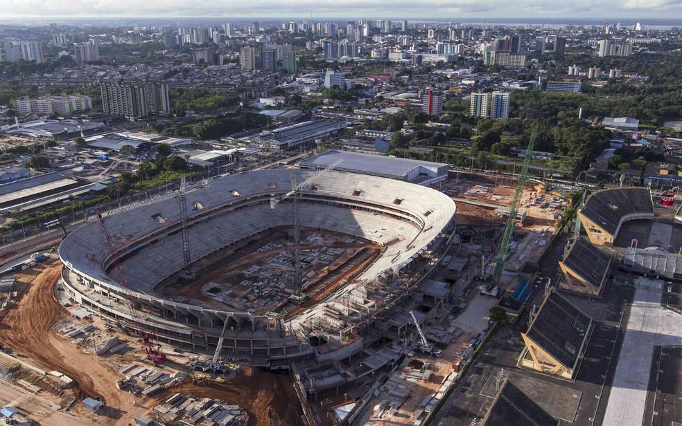 Vista aérea da construção da Arena da Amazônia (Foto: Bruno Kelly/Reuters)