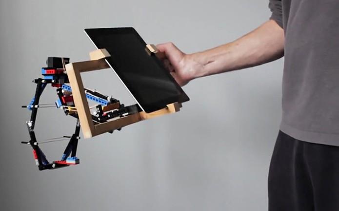 Encaixe extra para utilizar o tablet no estabilizador de Lego para GoPro (Foto: Divulgação/ProductTank)