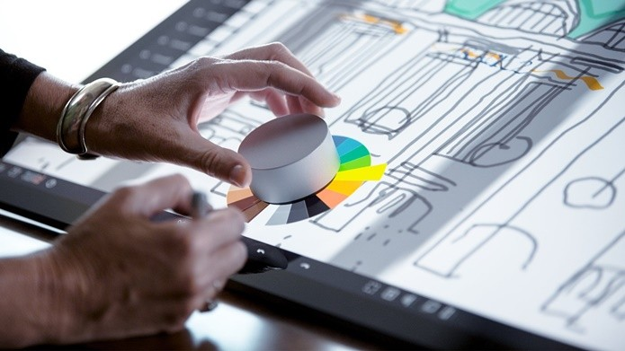 Surface Dial é o novo método de entrada da Microsoft (Foto: Divulgação/Microsoft)
