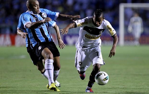 VItor junior botafogo Anderson Pico Grêmio (Foto: Gustavo Granata / Agência Estado)