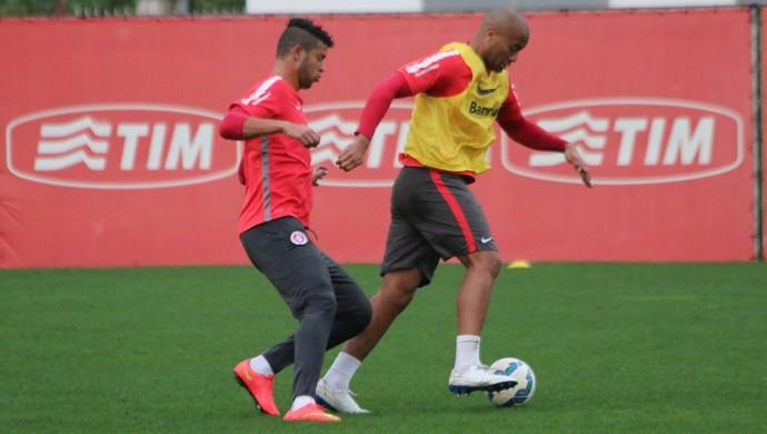 Rodrigo Moledo em treino do Inter (Foto: Eduardo Deconto)