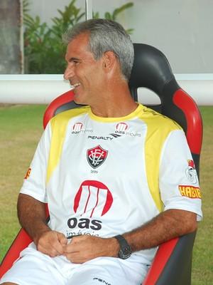 carlos amadeu vitória (Foto: Divulgação / Vitória)