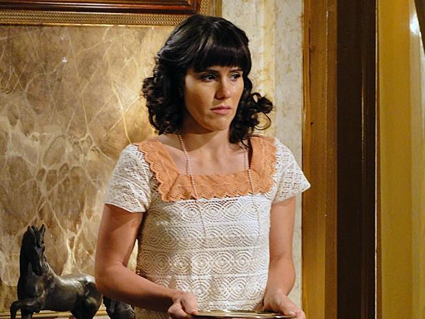 Zuleika chora com comentário de marido (Foto: Gabriela/TV Globo)