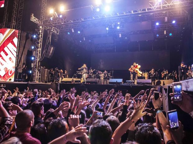 Dupla Henrique & Juliano se apresenta na primeira noite do Jaguariúna Rodeo Festival 2016 (Foto: Fifo Albertoni)