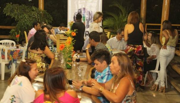 Em momento descontraído, profissionais lembraram o Dia do Publicitário (Foto: Valdivan Veloso/Inter TV)