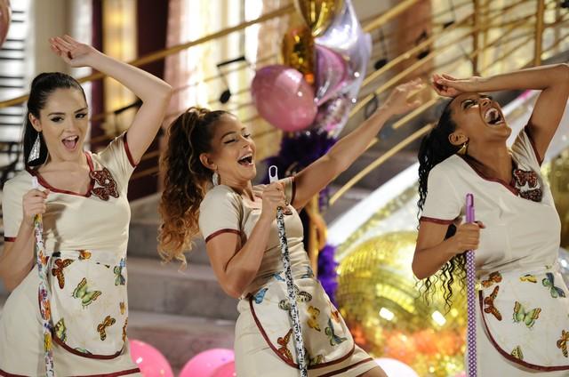 Isabelle Drummond (Cida), Leandra Leal (Rosário) e Taís Araújo (Pena): trio de empreguetes de Cheias de charme (Foto: Estevam Avellar/ TV Globo)
