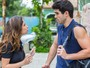 Nanda briga com Rômulo após beijo roubado