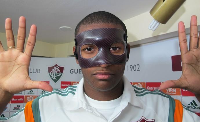 Marlon, máscara, Fluminense (Foto: Richard Souza)