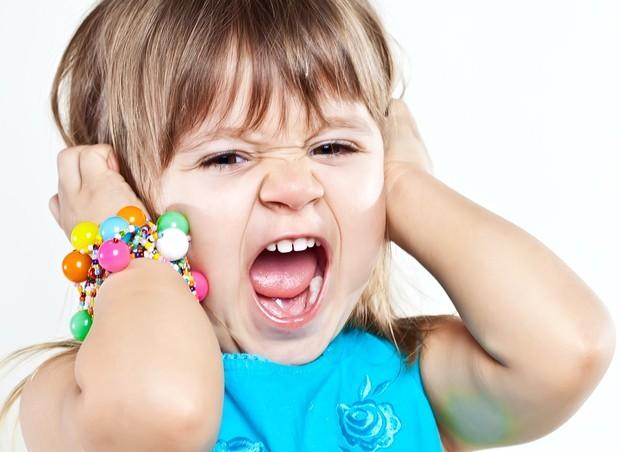 Criança mimada em ataque de birra (Foto: Shutterstock)