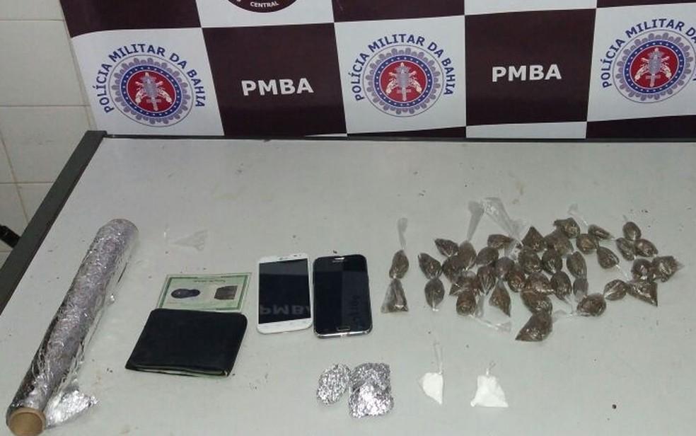 Material foi apreendido com suspeito pela polícia (Foto: Divulgação/ Polícia Civil)