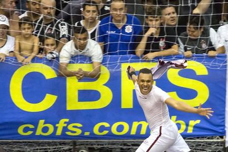 Confusão Corinthians x Orlandia Futsal (Foto: Rodrigo Gazzanel / Agência Estado)