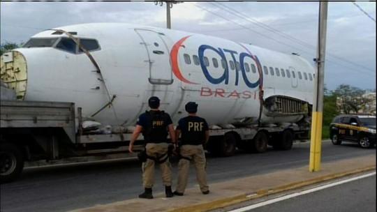 Sucata de avião apreendida na BR-020 havia sido comprada em leilão