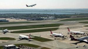 Britânico foi preso ao chegar do Brasil no Terminal 1 de Heathrow (Foto: PA)