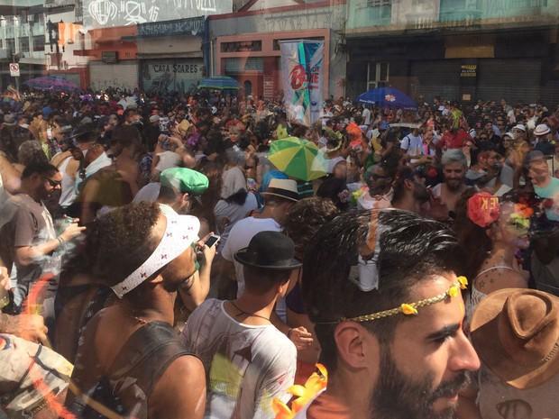 Bloco To de Bowie desfila na Praça Princesa Isabel, no Centro de São Paulo (Foto: Isabela Marinho/G1)