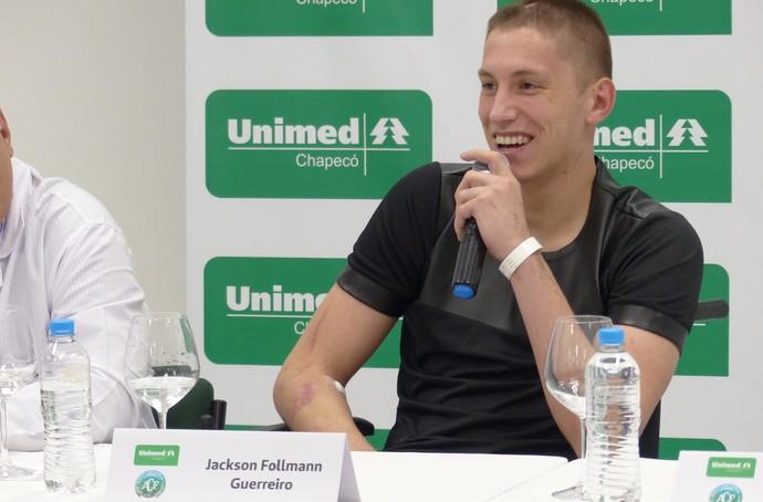 Follmann sorridente entrevista coletiva (Foto: Eduardo Florão / GloboEsporte.com)