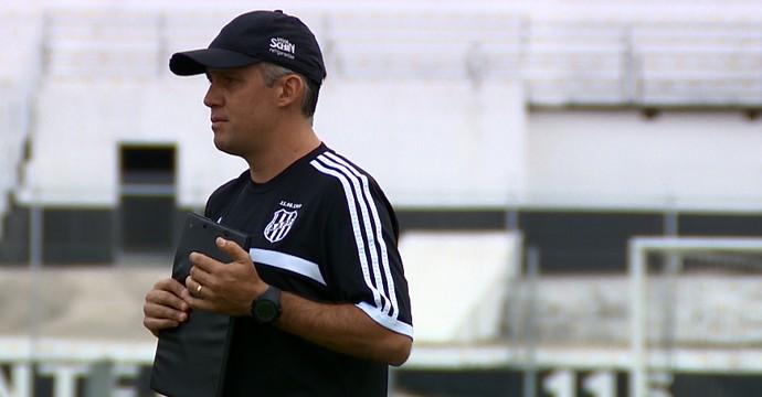 Eduardo Baptista, técnico da Ponte Preta (Foto: Vaner Santos/EPTV)