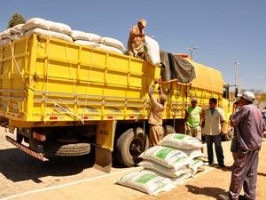 Programa distribui 2 mil toneladas de ração para animais (Foto: Divulgação/Secom-PB)