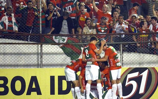 Portuguesa comemoração jogo Vasco (Foto: Alan Morici / Ag. Estado)