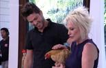 Ana Maria dá galinha de presente para Luiz Felipe