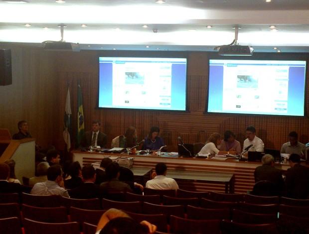 Audiência licitação estádio Maracanã (Foto: Felippe Costa)