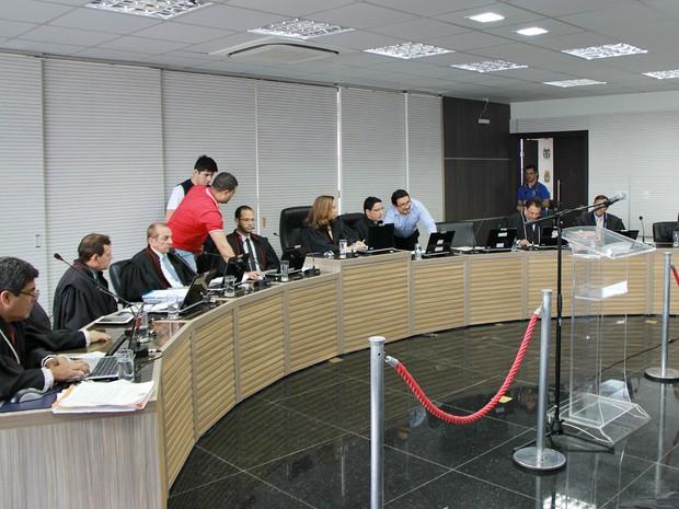 Sessão ocorreu na tarde desta sexta-feira, no Tribunal Regional Eleitoral do Amazonas (Foto: Indiara Bessa/G1 AM)