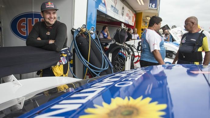 Felipe Fraga no Autódromo Internacional de Curitiba (Foto: Bruno Terena/Red Bull Content Pool)
