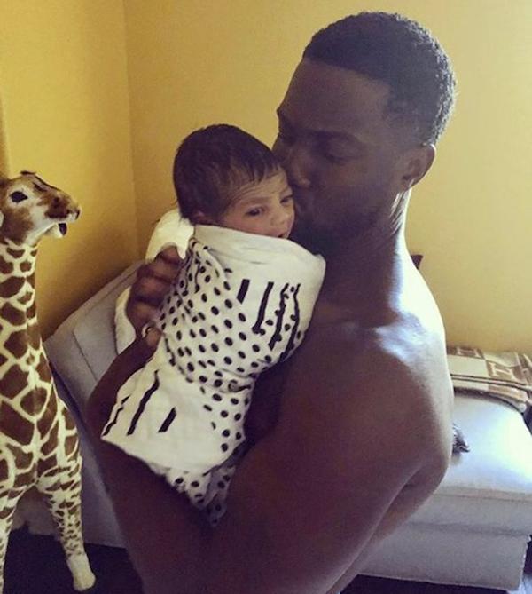 O ator Kevin Hart com o filho recém-nascido (Foto: Instagram)