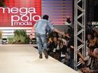 Chay Suede e Adriana Birolli agitam plateia de evento de moda