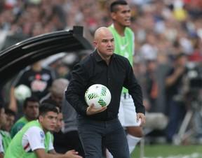 Fernando Jubero, técnico do Libertad-PAR