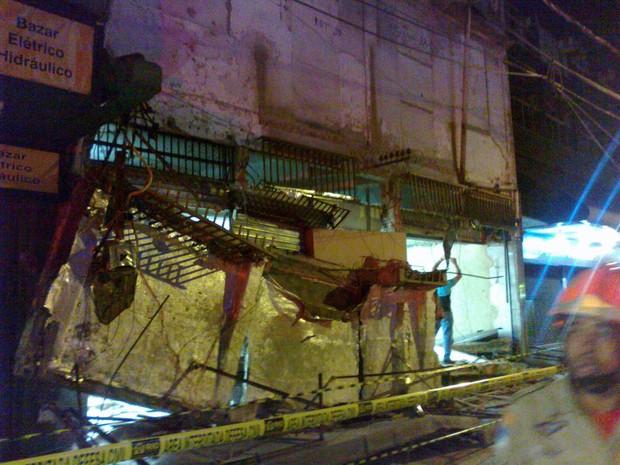 Marquise desabou em Madureira (Foto: Luiz Souza / Parceiro do RJ)