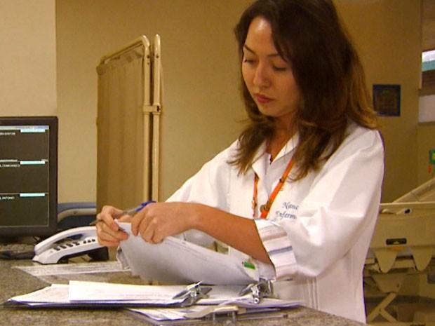 Nanci Saita é enfermeira há nove anos e aprendeu a lidar com retorno do chefe (Foto: Oscar Herculano / EPTV)