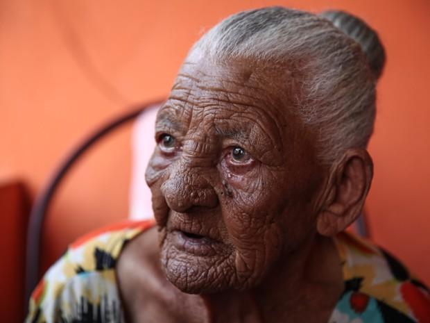 Maria Cândida tem 113 anos e mora na Cangaíba, na Zona Leste de São Paulo (Foto: Fábio Tito/G1)