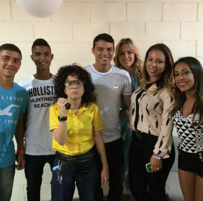 Thiago Silva com Tatá Werneck e humoristas (Foto: Reprodução/Instagram)