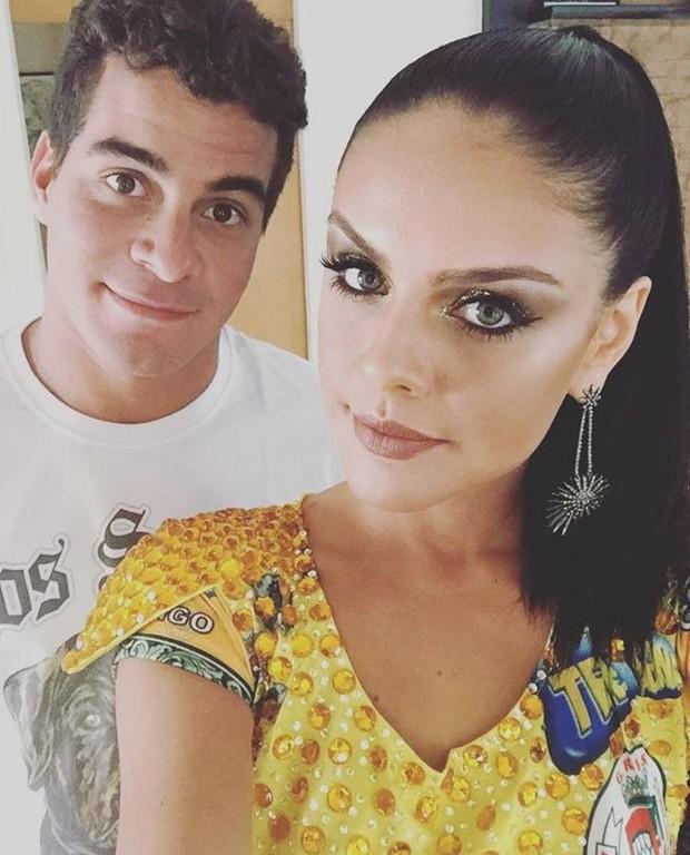 Thiago Martins desejando boa sorte para Paloma Bernardi  (Foto: Instagram / Reprodução)