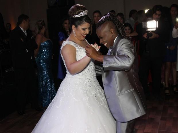 Neném se casa com Thaís Baptista em São Paulo (Foto: Celso Tavares/ EGO)