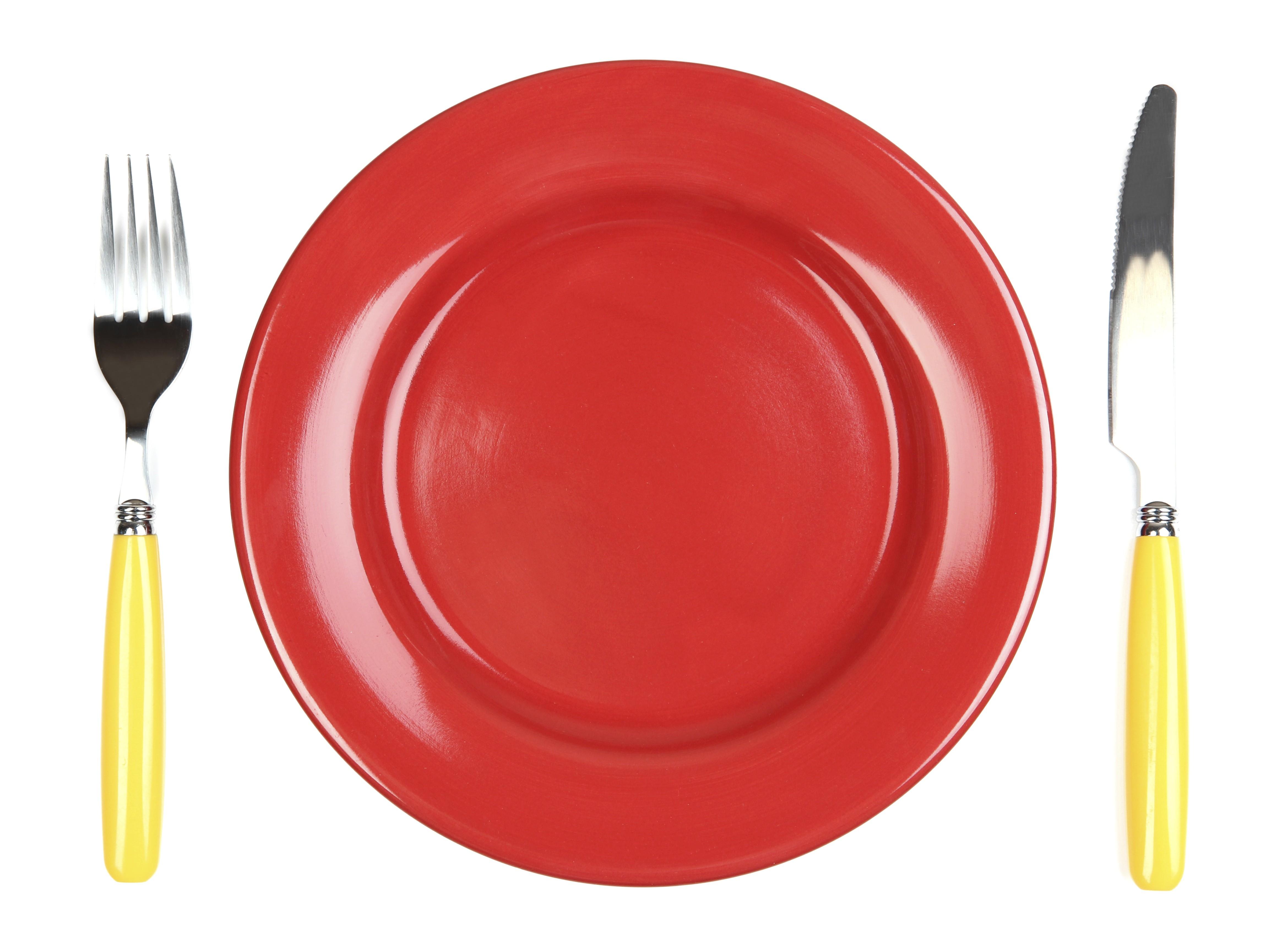 Participantes de estudo participantes comeram menos na louça vermelha (Foto: Think Stock)
