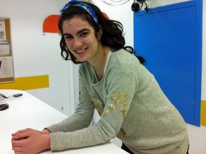 Stefania Corbani, de 19 anos, quer estudar música (Foto: Vanessa Fajardo/ G1)