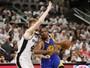 Spurs têm mais uma lesão, Warriors vencem fora e ficam a 1 triunfo da final